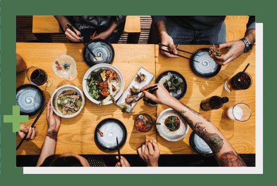 Fuzu - azjatyckie przekąski, w wersjach warzywnej oraz mięsnej. Photo by Nat Kontraktewicz - https://kontraktewicz.com/