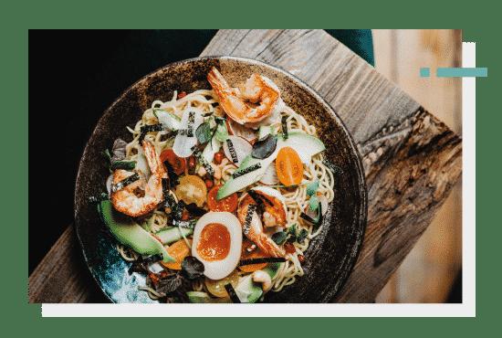 Lunche - codziennie nowa oferta wybranych dań kuchni azjatyckiej. Photo by Nat Kontraktewicz - https://kontraktewicz.com/
