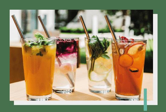 Napoje - zimne lemoniady, kawy i herbaty, rozgrzewające napary. Photo by Nat Kontraktewicz - https://kontraktewicz.com/